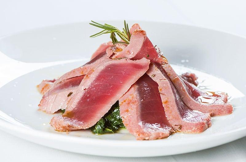 tagliata di tonno, ristoranti di Roma, mangiare a Roma, ristorante di Roma, ristoranti a Roma, antipasto, cucina marinara, ristorante di pesce, tonno, tagliata