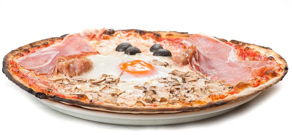 pizza capricciosa, pizza, ristoranti di roma, mangiare a roma, ivo a trastevere, ristoranti a roma, ristorante di roma