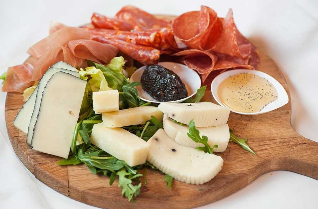 affettati e formaggi, tagliere di affettati e formaggi, ristoranti dir Oma, ristoranti a Roma, ristorante di Roma, ristorante a Roma, mangiare a Roma, antipasto