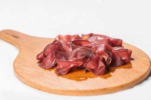 bue affumicato e stagionato, ristoranti a roma, mangiare a roma, gourmet, cucina gourmet, ristorante a roma, ristorante di roma, antipasto, bue, carne